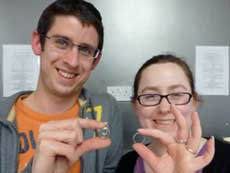 couple with their rings